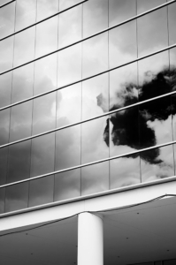dtla-glass-windows-reflection-of-clouds