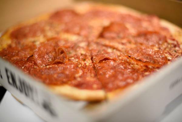 Delicious Neapolitan Gluten-free Pepperoni Pizza In ...